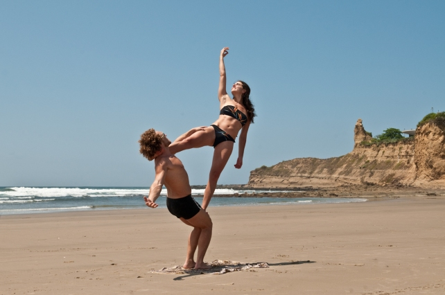 PAST EVENTS - Anusara Inspired Yoga/Thai Massage/AcroYoga Retreat - acroyoga on the beach